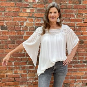 White Top with Flowy Sleeves | Ivy Rose Longmont
