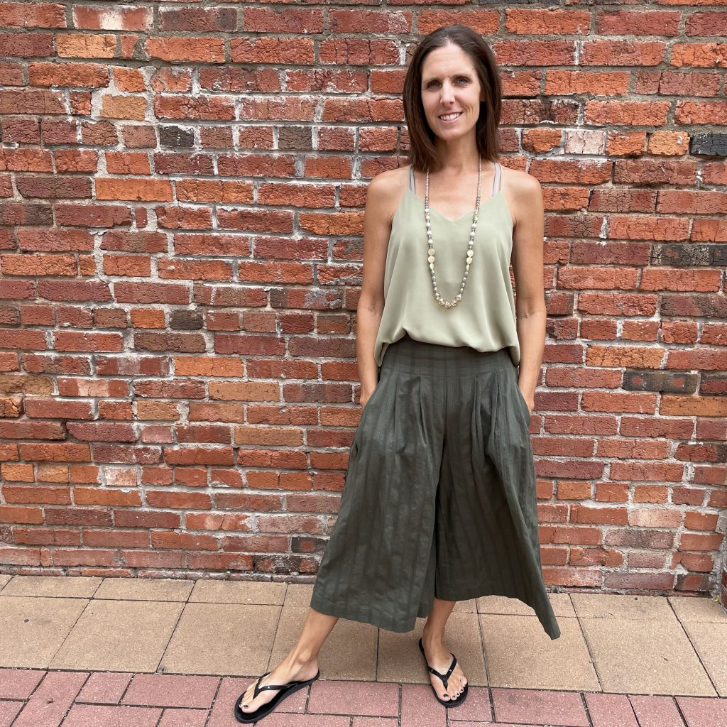 Fun Outfit Perfect for a Summer Evening Out | Ivy Rose Longmont